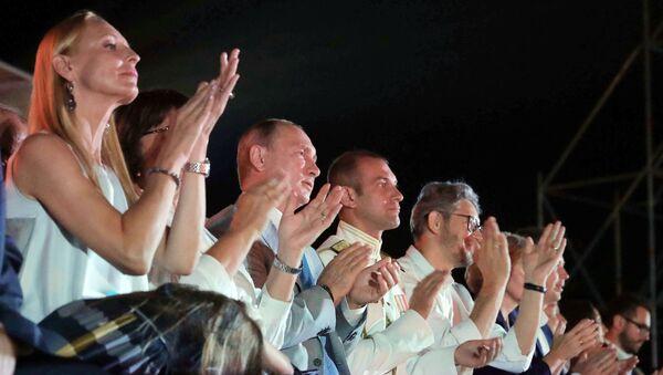 Президент РФ В. Путин посетил вечер-открытие фестиваля Опера в Херсонесе