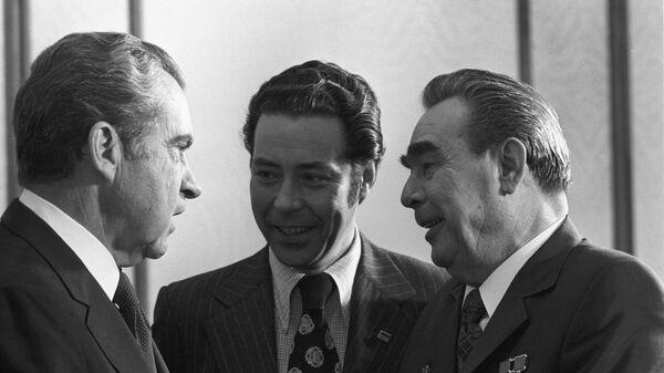 Генеральный секретарь ЦК КПСС Леонид Ильич Брежнев и Президент США Ричард Никсон в Кремле. 27 июня 1974 года