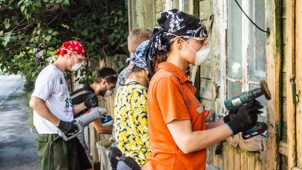 В Челябинске волонтеры восстанавливают старинный дом