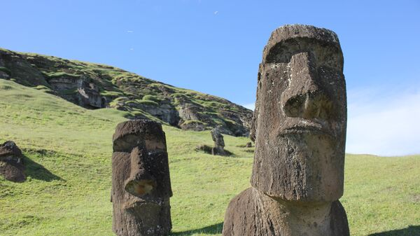 Истуканы-моаи