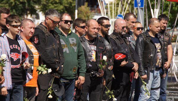 Более 50 участников мотомарша Дороги Победы приехали в Луганск