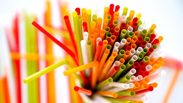 Евросоюз запретит одноразовую пластиковую посуду к 2021 году