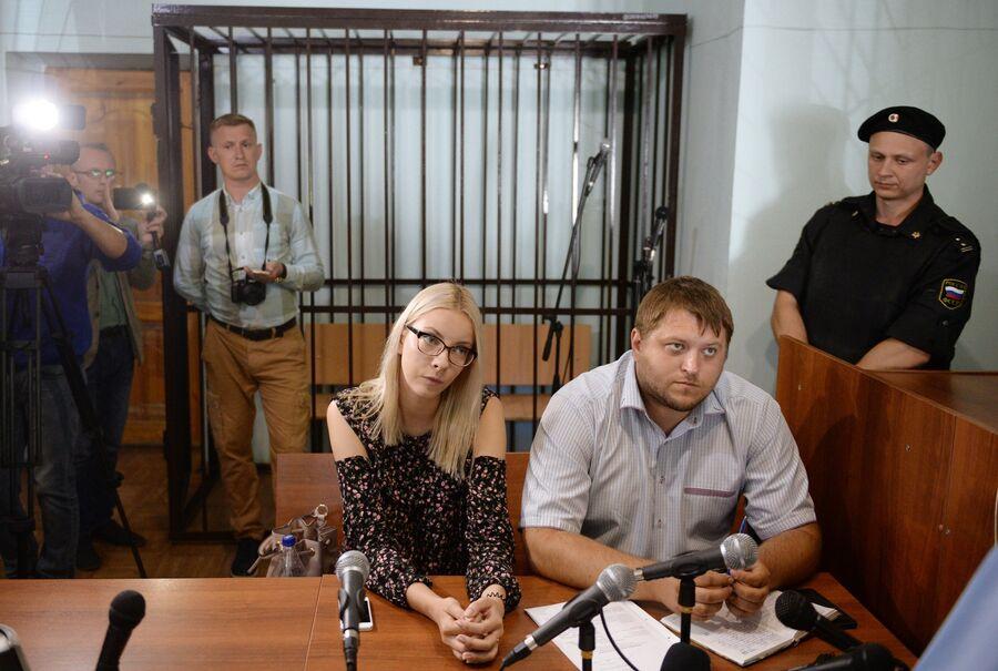 Обвиняемая в экстремизме и оскорблении чувств верующих за картинки в социальной сети «ВКонтакте» Мария Мотузная