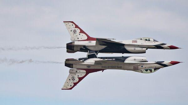 Истребители F-16 Thunderbirds ВВС США