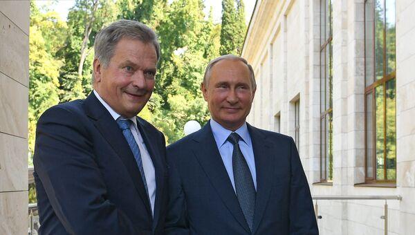 Президент РФ Владимир Путин и президент Финляндской Республики Саули Ниинисте во время встречи. 22 августа 2018