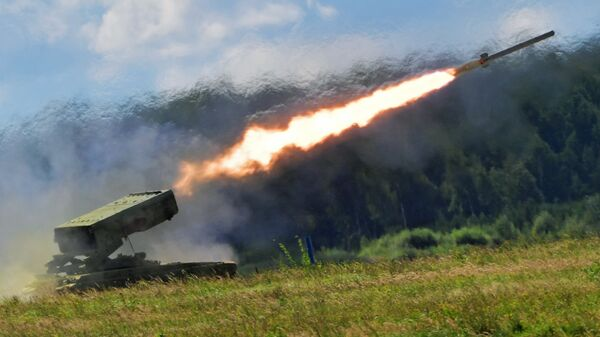Тяжелая огнеметная система залпового огня на базе танка Т-72 ТОС-1 Буратино на форуме Армия-2018. 22 августа 2018