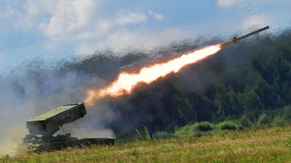 Тяжелая огнеметная система залпового огня на базе танка Т-72 ТОС-1 Буратино на форуме Армия-2018