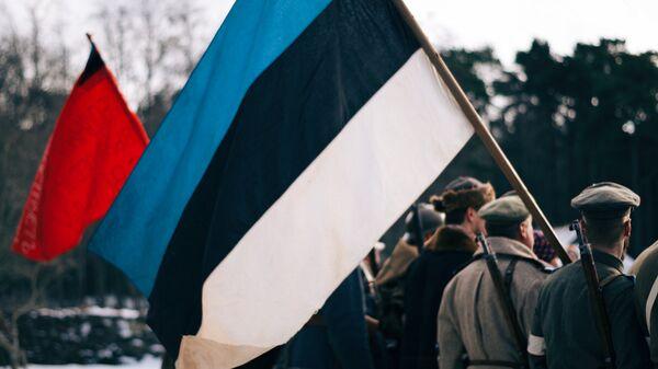 Флаг во время исторической реконструкции в день независимости Эстонии