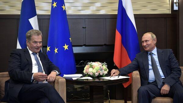 Президент РФ Владимир Путин и президент Финляндской Республики Саули Ниинисте во время встречи в Сочи. 22 августа 2018