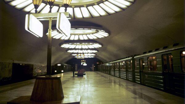 Центральный зал станции Площадь Ленина ташкентского метрополитена