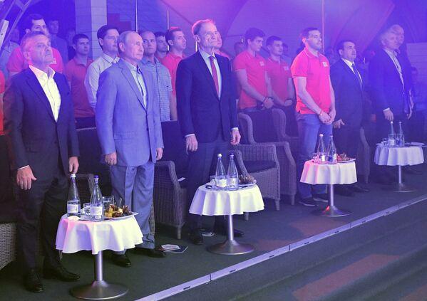 Президент РФ Владимир Путин на международном турнире по боевому самбо «Плотформа S-70»