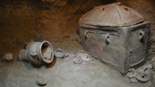 Гробница, найденная в районе Иерапетра на Крите. 25 августа 2018