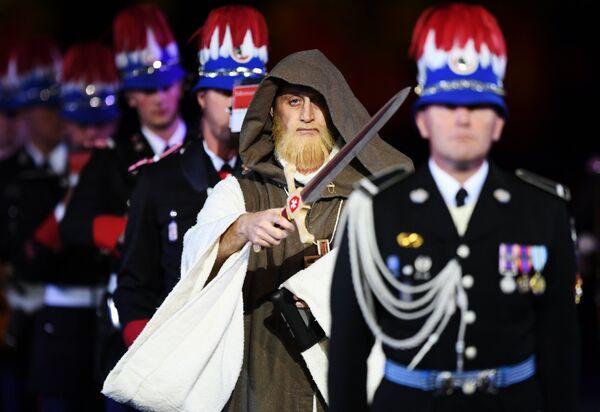 Оркестр карабинеров принца княжества Монако на торжественной церемонии открытия XI Международного военно-музыкального фестиваля Спасская башня