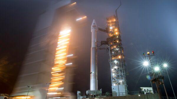 Запуск ракеты Atlas V с базы ВВС США