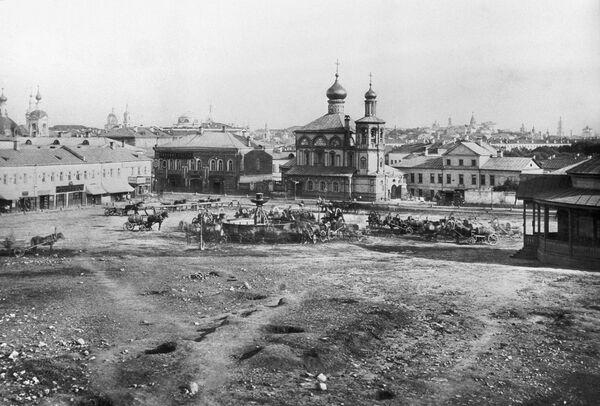 Варварская площадь в Москве (площадь Ногина). Снимок XIX века