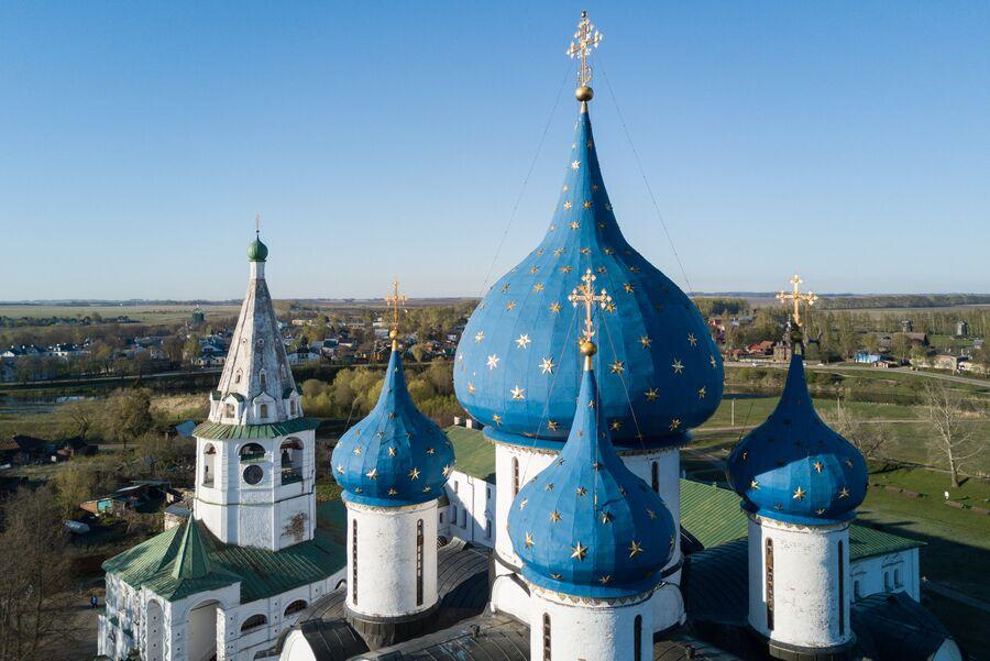 Рождественский собор на территории Суздальского кремля