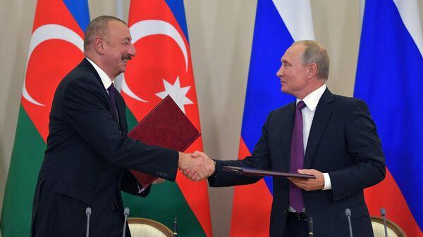 Президент РФ Владимир Путин и президент Азербайджана Ильхам Алиев
