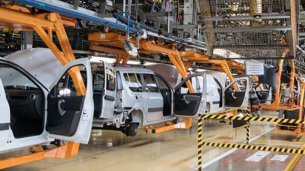 Сборка автомобилей на заводе АвтоВАЗ в Тольятти