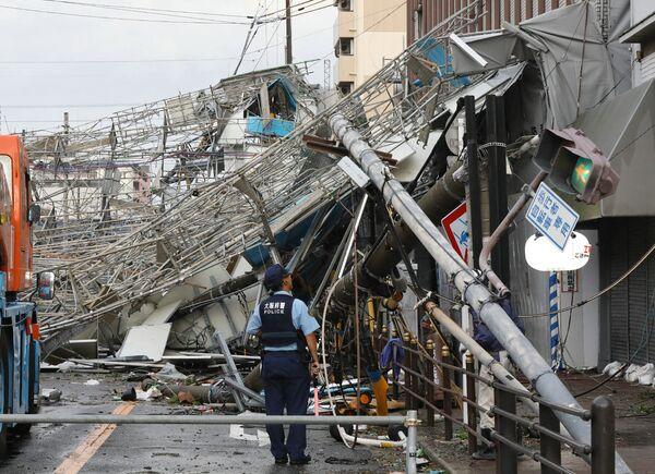 Последствия прохождения тайфуна Джеби в Осаке, Япония