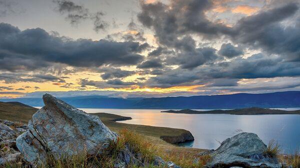 Закат на острове Ольхон