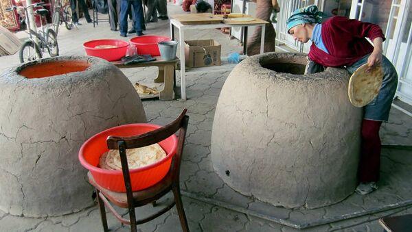 Выпечка туркменского хлеба — чурека