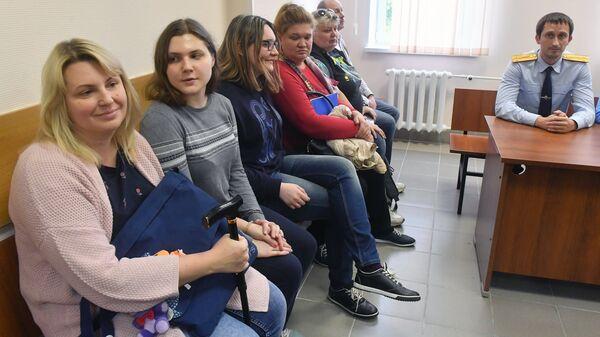 Участницы движения Новое величие Анна Павликова и Мария Дубовик