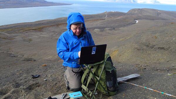 Николай Осокин изучает многолетнюю мерзлоту