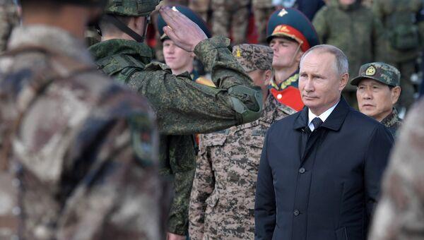 Владимир Путин на полевом смотре войск  забайкальского полигона Цугол. 13 сентября 2018