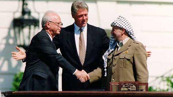 Ицхак Рабин, Билл Клинтон и Ясир Арафат, 13 сентября 1993. Вашингтон. Архивное фото