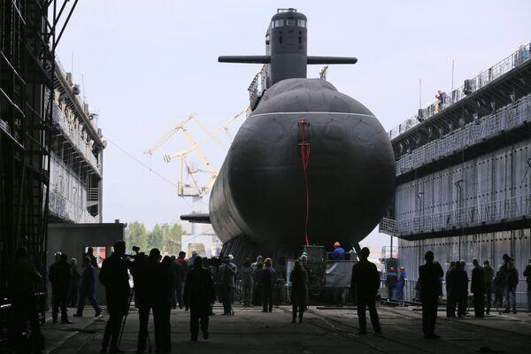Торжественная церемония спуска на воду дизель-электрической подводной лодки Кронштадт проекта 677 Лада на Адмиралтейских верфях в Санкт-Петербурге