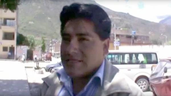 Стоп-кадр видео интервью перуанского политика Гитлера Альбы Санчеса