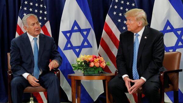 Премьер-министр Израиля Биньямин Нетаньяху и президент США Дональд Трамп во время встречи в рамках Генассамблеи ООН в Нью-Йорке