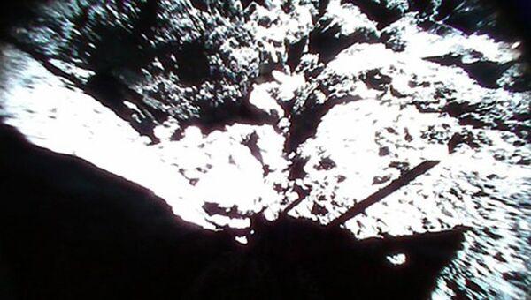 Тень антенны и шпиля ровера MINERVA-II1
