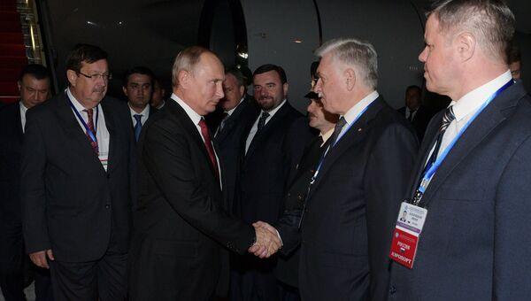 Президент РФ Владимир Путин в аэропорту Душанбе. 27 сентября 2018