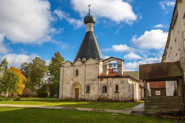 Церковь Евфимия Великого на территории Кирилло-Белозерского монастыря в селе Горицы Вологодской области