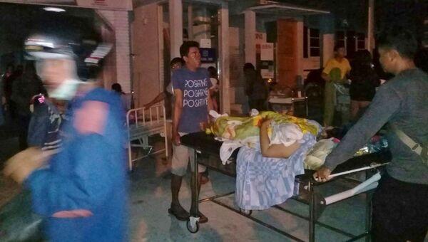 Пострадавший в результате землетрясения у берегов индонезийского острова Сулавеси. 28 сентября 2018