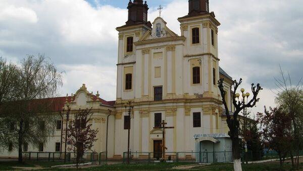Свято-Троицкий храм в поселке Богородчаны Ивано-Франковской области, Украина