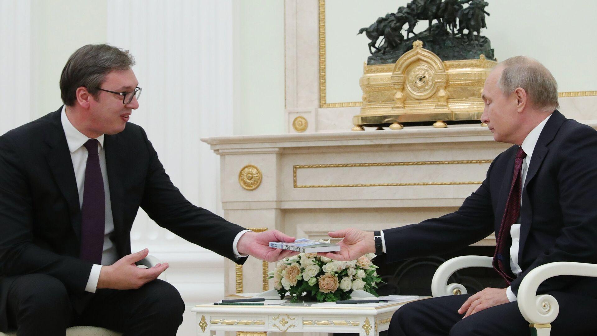 Россия передала Сербии танки и БТР по соглашению о военном сотрудничестве