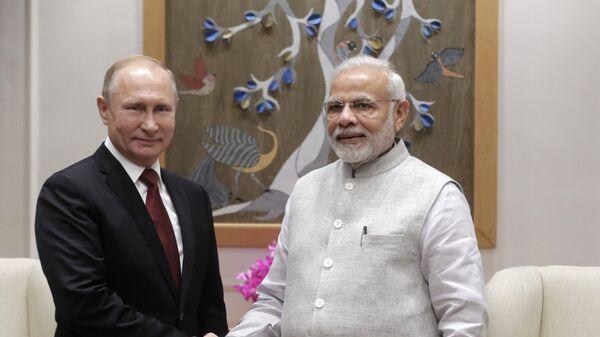 Владимир Путин и премьер-министр Республики Индии Нарендра Моди
