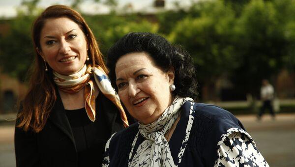 Испанская оперная певица Монсеррат Кабалье и ее дочь Монсеррат Марти. Архивное фото
