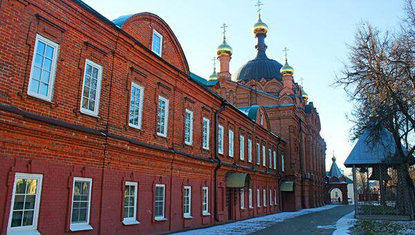 Церковь преподобного Серафима Саровского (Троицкая по постановлению) в городе Саров, Нижегородская область