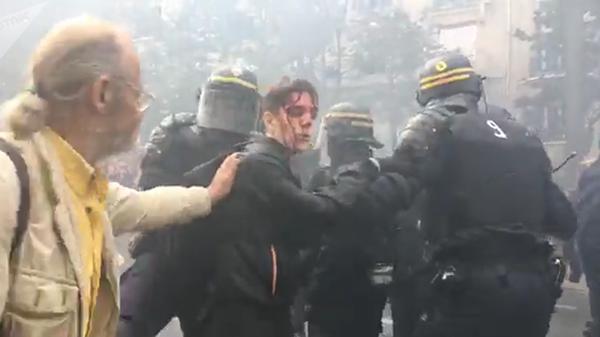 Манифестации против социальной политики Макрона в Париже. 9 октября 2018