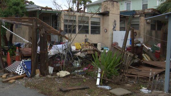 """Поваленные деревья, разрушенные дома – последствия урагана """"Майкл"""" в США"""