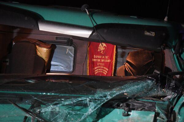 Кабина грузовика столкнувшегося с автобусом в Чувашии