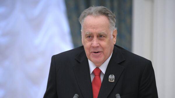 Писатель Владислав Крапивин