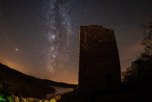 Млечный Путь возле озера Пьер-Перси, Франция