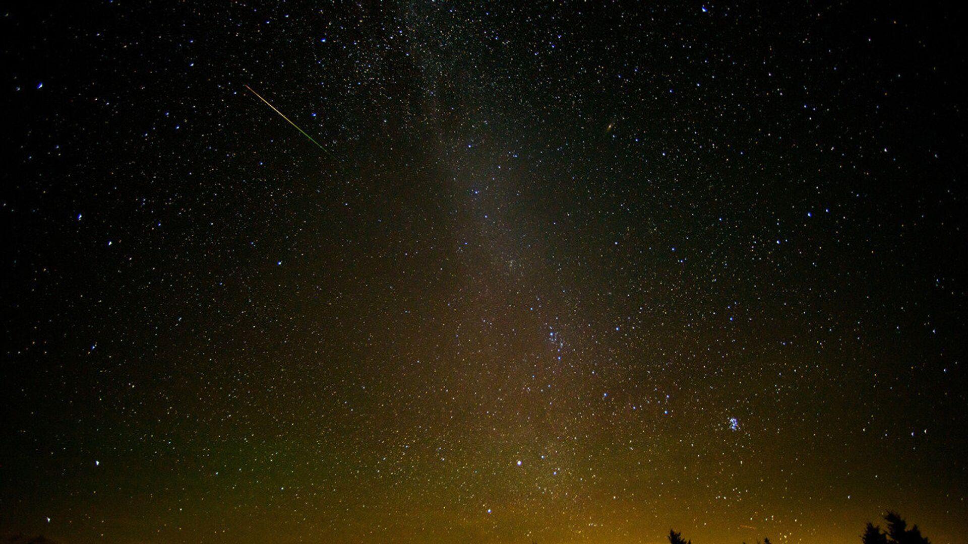 Метеор из потока Персеиды. 12 августа 2018 - РИА Новости, 1920, 04.05.2021