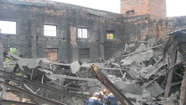 Обрушение стены дома