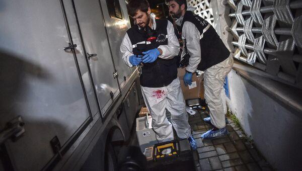 Криминалисты собирают доказательства в посольстве Саудовской Арвии в Турции. 18 августа 2018