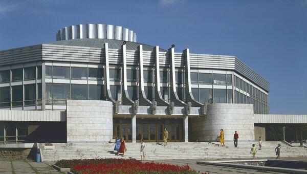 Здание цирка в Омске